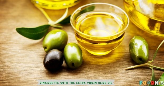 Prepare the vinaigrette with the extra virgin olive oil and a pinch of salt